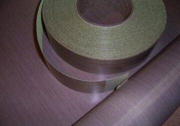 Tesaturile de fibra de sticla PTFE sunt folosite la masini, cuptoare